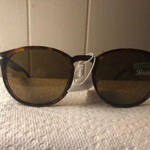 Persol Round Polarized Sunglasses NWT 3157